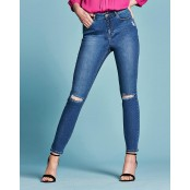 Truckload (19 Pallets) of Women's Jeans, Jumpers, Woven Tops & More, 7,575 Pieces, Overstock Condition, Ext. Retail £185,066, Shaw, UK